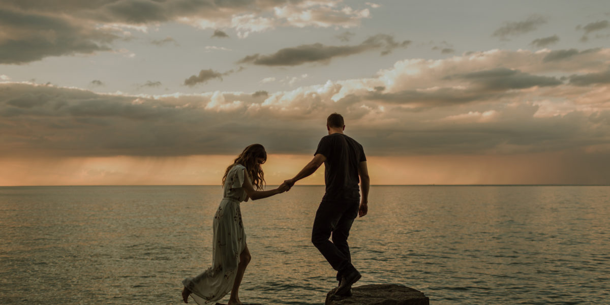Niagara-On-The-Lake - A Stormy Summer Engagement